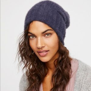 WORN ONCE: Free People Fuzzy Beanie